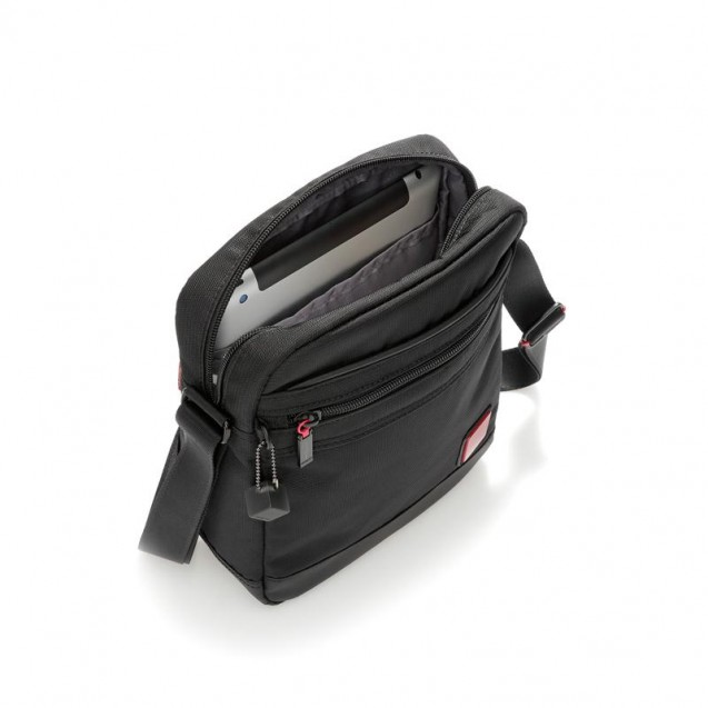 Мужская сумочка вертикальная Hedgren Red Tag HRDT01